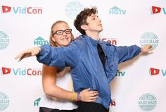 ANDPOP | Amazing Meet & Greet Poses We Wish We Did