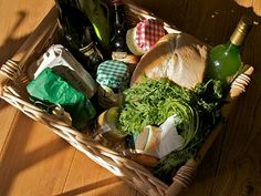It's always a good idea to leave some pantry basics in your holiday home, but when putting together a welcome hamper to wow your guests keep the following tips in mind