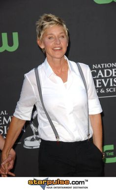 Ellen Degeneres rocks. Beautiful, smart, HILARIOUS, and best of all real!!