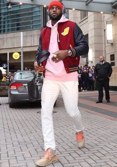 LeBron James has worn Nike LeBron and more all season. Nba Fashion, Suit Fashion, Streetwear Fashion, Mens Fashion, Sneakers Fashion, Fashion Shoes, Shoes Sneakers, Air Max 90, Dope Outfits For Guys
