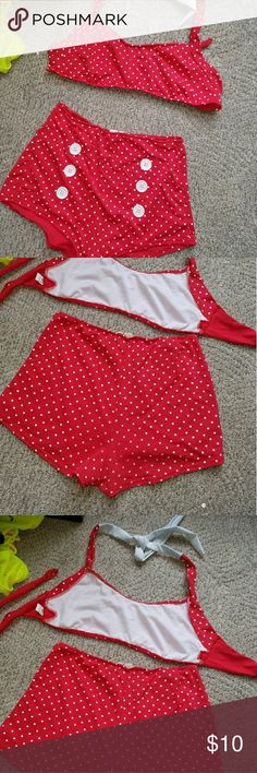 pinup bikini vintage high waist minnie mouse sz L This is a vintage style bikini that I bought new on ebay 2 years ago. It was definitely my favorite suit for a long time, very flattering and comfortable, and has some wear to show it, but is still very wearable. the front of the bottoms & the bust are lined, but even the unlined back isn't see through when wet. The top ties on the neck & back for size &fits up to a D well but looks great on smaller bust sizes too. Flaws are in the pics…
