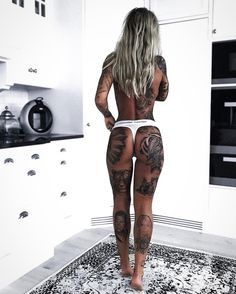 Throwback to one of the crazy weekendsand 's top. For see more of fitness life images visit us on our website ! Hot Tattoos, S Tattoo, Girl Tattoos, Tattoos For Women, Tattoos For Guys, Tattoed Women, Tattoed Girls, Inked Girls, Different Art Styles