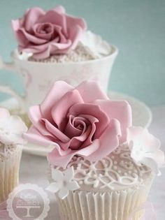 Runway Fashions About Weddings: Two Broke Girls and Those Cupcake Stories Lace Cupcakes, Floral Cupcakes, Fondant Cupcakes, Fun Cupcakes, Cupcake Cakes, Tea Cakes, Mini Cakes, Vintage Wedding Cupcakes, Cotton And Crumbs