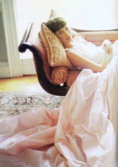Christy Turlington by Arthur Elgort for Vogue US, February 1994 Arthur Elgort, Christy Turlington, She's A Lady, Vogue Us, Pink Panthers, Everyday Dresses, Vogue Magazine, Pretty In Pink, Editorial Fashion