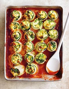 This quick and easy ricotta and courgette cannelloni recipe, from Donna Hay's co. - This quick and easy ricotta and courgette cannelloni recipe, from Donna Hay's cookbook Basics to - Lasagne Recipes, Donna Hay Recipes, Whole Food Recipes, Cooking Recipes, Dessert Recipes, Vegetarian Recipes, Healthy Recipes, Stay Fit, Spaghetti