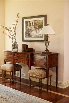 Foyer Furniture, Entryway Decor, Antique Furniture, Foyer Decorating, Interior Decorating, English Country Decor, Traditional House, Traditional Decor, Home Interior Design