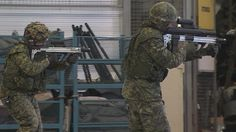 Canadian soldiers test prototypes of a new integrated assault rifle concept being developed by Colt and DRDC [1280  720]