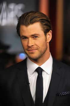Only Chris Hemsworth could look this good at 5:30 a.m.! He announced the 2014 Academy Award nominations early Thursday morning.