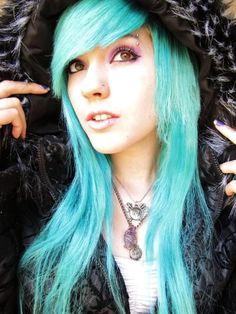love her hair color Funky Hairstyles, Down Hairstyles, Pretty Hairstyles, Scene Hairstyles, Blue Green Hair, Aqua Hair, Let Your Hair Down, Emo Girls, Dye My Hair