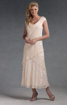 Mother of the bride dresses can be found easily. It should not resemble the bride dress and the bridesmaids dresses. Mother of the bride dresses should be worn with some accessories. Mother In Law Dresses, Mother Of Bride Outfits, Mothers Dresses, Mother Of The Bride Dresses Tea Length, Mother Of Bride Dresses, Mob Dresses, Tea Length Dresses, Peplum Dresses, Dress Tops