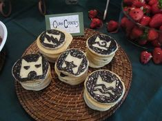 Lola, Tangled: Warrior Cat Birthday Party SOOOOO want a warriors party! Birthday Cake For Cat, 10th Birthday Parties, Birthday Ideas, Birthday Cakes, Horse Birthday, Warrior Cats Series, Warrior Cats Books, Biscuits, Cat Cupcakes