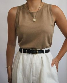 Crazily Charming And Vibrant Minimalist Summer Outfits – Kresent! Source by summer outfits Fashion Mode, Minimal Fashion, Fashion 2020, Look Fashion, Fashion Outfits, Womens Fashion, Minimal Chic, Minimal Outfit, Looks Style