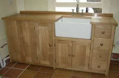 love this oak cabinet too (and the sink of course) Free Standing Kitchen Cabinets, Kitchen Cupboards, Kitchen Furniture, Kitchen Decor, Kitchen Ideas, Unfitted Kitchen, Belfast Sink, Freestanding Kitchen, Sink Units