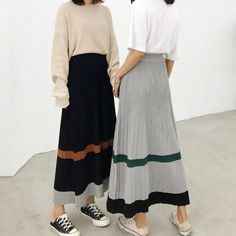 long knitted skirt with pleats