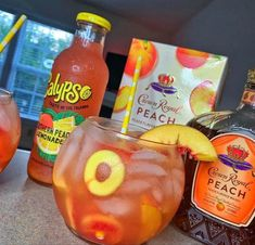 Mixed Drinks Alcohol, Party Drinks Alcohol, Liquor Drinks, Alcohol Drink Recipes, Cocktail Drinks, Cocktails, Peach Drinks, Summer Drinks, Fun Drinks