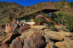 Albert Frey's 800 sq ft Palm Springs House Simply Disappears Into The Desert Landscape | Tiny Homes