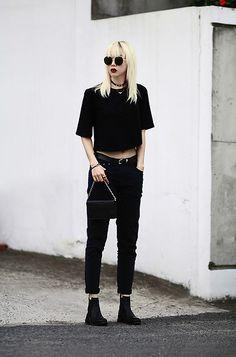 More looks by Jehee B.: http://lb.nu/jehee  #chic #minimal #street #allblack…