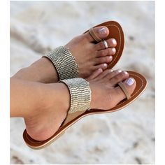 If I buy these, I promise to never wear them without a proper pedicure -> Aspiga Luna Gold Toe Loop Sandalsrollover
