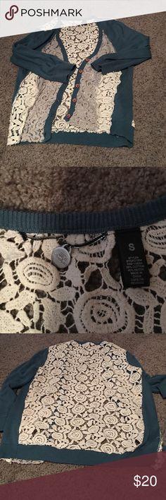 BKE cardigan size small quarter sleeve BKE size small quarter sleeve teal, gray, and white. Pretty lace back BKE Sweaters Cardigans