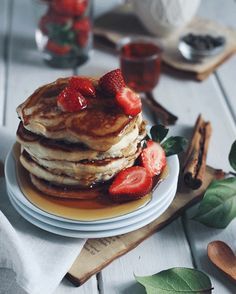 "mintyanne: "" Fluffy pancakes. I found that fluffy pancakes have to include baking powder and/or egg. I'm vegan so I used aquafaba (you should try it too!) Also this my very first cinemagraph. A start..."