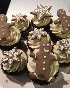Der 1. Advent naht und Lebkuchen gehören einfach zur Weihnachtszeit dazu – bei uns in Form von Lebkuchen-Cookies!