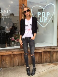 [Sunglasses, cardigan, jeans & boots ANINE BING. T-shirt SincerelyJules] The post Lashes appeared...
