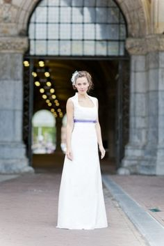 knielanges Brautkleid mit langem Überrock, wandelbares 2in1 Brautkleid für den ganzen Tag.
