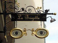 """""""La Brigitte"""" eyewear, rue du Bac, 7e arrondissement"""