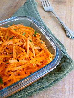 French Shredded Carrot Salad - Simple & Delicious. 75 calories, 2 PointsPlus, 2 SmartPoints. http://simple-nourished-living.com/2012/08/french-carrot-salad-recipe/