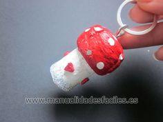 LLavero hecho de corchos | Manualidades faciles capsulas nespresso