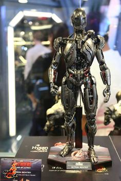 More Hot Toys From AVENGERS: AGE OF ULTRON, Including War Machine — GeekTyrant