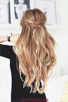 Half Ponytail 22 Unique Ideas For 2019 Hairstylecamp inside measurements 736 X 1103 Half Ponytail Hairstyles - There aren't any hairstyles or haircuts Half Updo Hairstyles, Wedding Hairstyles For Long Hair, Elegant Hairstyles, Summer Hairstyles, Pretty Hairstyles, 1920s Hairstyles, Popular Hairstyles, Hairstyle Ideas, Bridesmaids Hairstyles
