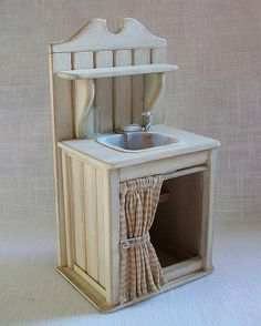 """White Sink (1"""" dollhouse scale) 