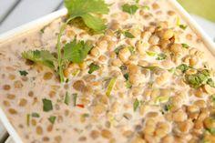 Jonasi kantina på jobb brukar å lage ein utruleg god linsesalat med kokosmjølk og koriander, og eg berre elskar den. No har eg eksperimentert meg fram til ein variant som smakar nesten som hans, s…