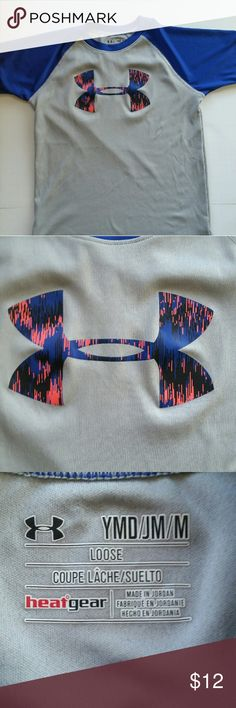 YOUTH MEDIUM UNDER ARMOR TEE YOUTH MEDIUM UA HEATGEAR LOOSE TEE, GRAY AND BLUE WITH RED, BLUE AND BLACK UA SYMBOL. Under Armour Shirts & Tops Tees - Short Sleeve