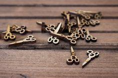 Ψαλίδι Ξύλινο 50τεμ WI153511  Ξύλινα ψαλίδια διαστάσεων 2,2cm.Η συσκευασία περιέχει 50 τεμάχια. Bobby Pins, Hair Accessories, Bracelets, Beauty, Jewelry, Jewlery, Bijoux, Schmuck, Hair Pins