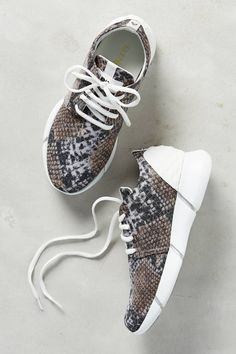 Calu Sneakers by Elena Iachi #anthrofave #anthropologie . Pinterest | chelstokarski