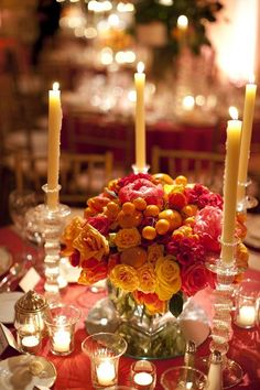 #centerpiece  Photography: Patricia Lyons - patricialyonsphotography.blogspot.com Florals & Styling: Beehive Events - www.beehiveevents.com  Read More: http://www.stylemepretty.com/2010/05/26/virginia-wedding-with-classic-elegance/