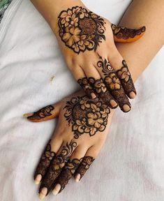 Modern Henna Designs, Henna Designs Feet, Finger Henna Designs, Legs Mehndi Design, Mehndi Designs For Girls, Mehndi Design Pictures, Wedding Mehndi Designs, Mehndi Designs For Fingers, Dulhan Mehndi Designs