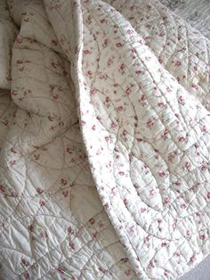 I love pink roses and I love quilts!