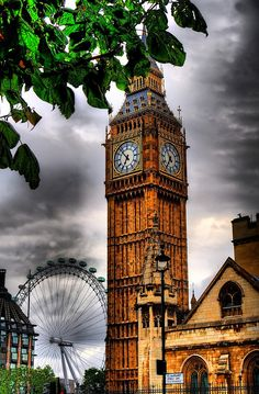 Big Ben with London Eye Behind!!!  The line was way too long to ride the London Eye :(