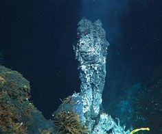 Hydrogen highway in the deep sea