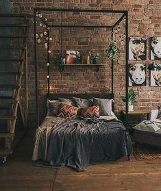 Indian Home Interior Loft room with brick wall and industrial footprint. Source: nakima Home Interior Loft room with brick wall and industrial footprint. Loft Room, Bedroom Loft, Modern Bedroom, Urban Bedroom, Nature Bedroom, Master Bedroom, Loft Wall, Bohemian Bedroom Decor, Master Suite