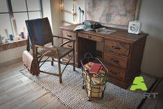 Meble z litego drewna w różnych aranżacjach. Zobaczcie, jak kolekcja Rustyk prezentuje się w stylu nowoczesnym, vintage, retro i nowoczesnym. Poznaj nasze inspiracje i dowiedz się, jak urządzić piękne wnętrze! Corner Desk, Retro, Furniture, Vintage, Home Decor, Corner Table, Decoration Home, Room Decor, Home Furnishings