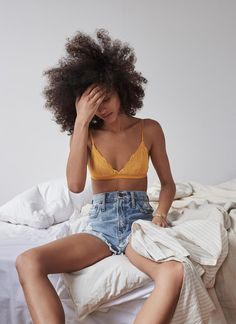 After unveiling its debut lingerie collection earlier this year, Madewell offers yet another look at its Intimates line with a recent trend guide. Jolie Lingerie, Perfect Jeans, Wedding Dress, Creation Couture, Dame, Madewell, What To Wear, Look, Natural Hair Styles