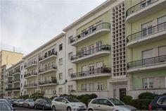 Lisboa, Bairro de São Miguel (Avenida de Roma). Apartamento duplex com 200 m2 em óptimo estado. Vendido em Dezembro de 2015 por 420 mil euros. Vendido por Diogo Neto