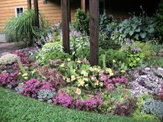 Many gardeners dream of taking their passion and turning it into a business, and over the years that is exactly what Lorraine and RJ Roberts of Caledon, Ontario did. When they purchased their 24-acre property in 1999, there were no gardens at all – just trees, grass, and a house. Season by season, they grew thousands of perennials and established new beds until Plant Paradise Country Gardens, an organic botanical garden and perennial nursery, was born.
