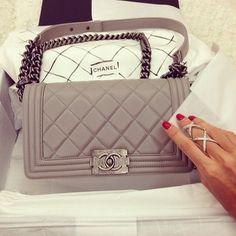 Chanel handbags – High Fashion For Women Beautiful Handbags, Beautiful Bags, Luxury Bags, Luxury Handbags, Designer Handbags, Coco Chanel, Chanel Boy Bag, Chanel Bags, Chanel Purse