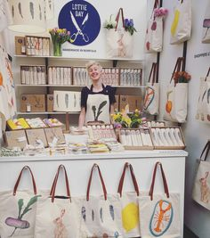 Lottie Day Country Living - good use of small space Bag Display, Market Displays, Craft Markets, Fabric Bags, Handmade Bags, Handmade Shop, Cloth Bags, Handmade Accessories, Store Design