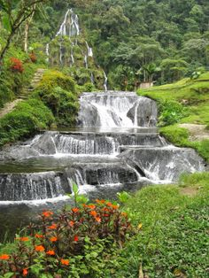 Cascade in Colombia Beautiful Places In The World, Places Around The World, Around The Worlds, Colombia South America, Colombia Travel, Waterfall Fountain, Coffee Travel, Nature Photos, Vacation Spots